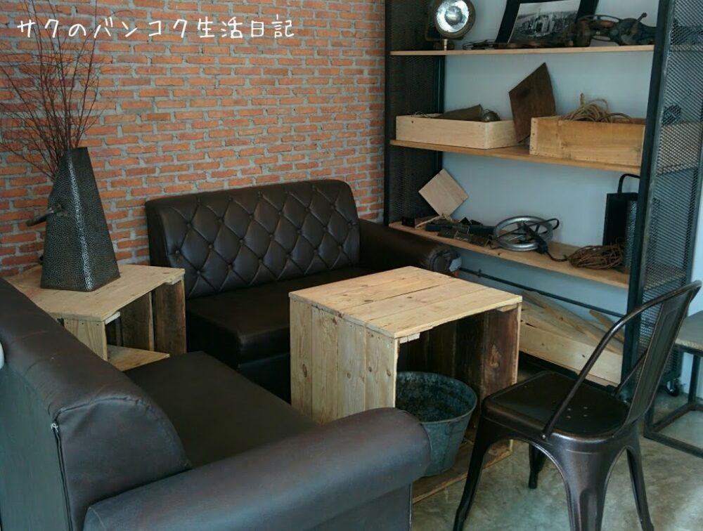 エカマイ駅近くのナチュラルカフェCRAZY ABOUT brew cafe