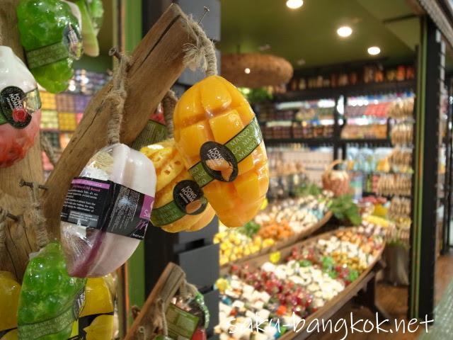 平日にチャトチャックに行くならウィークエンドマーケット隣のJJモールがオススメです