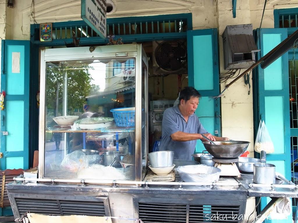 バンコク旧市街散策!ラマ5世時代の街並みが残るプレーンプートン通りと絶品ココナッツアイス
