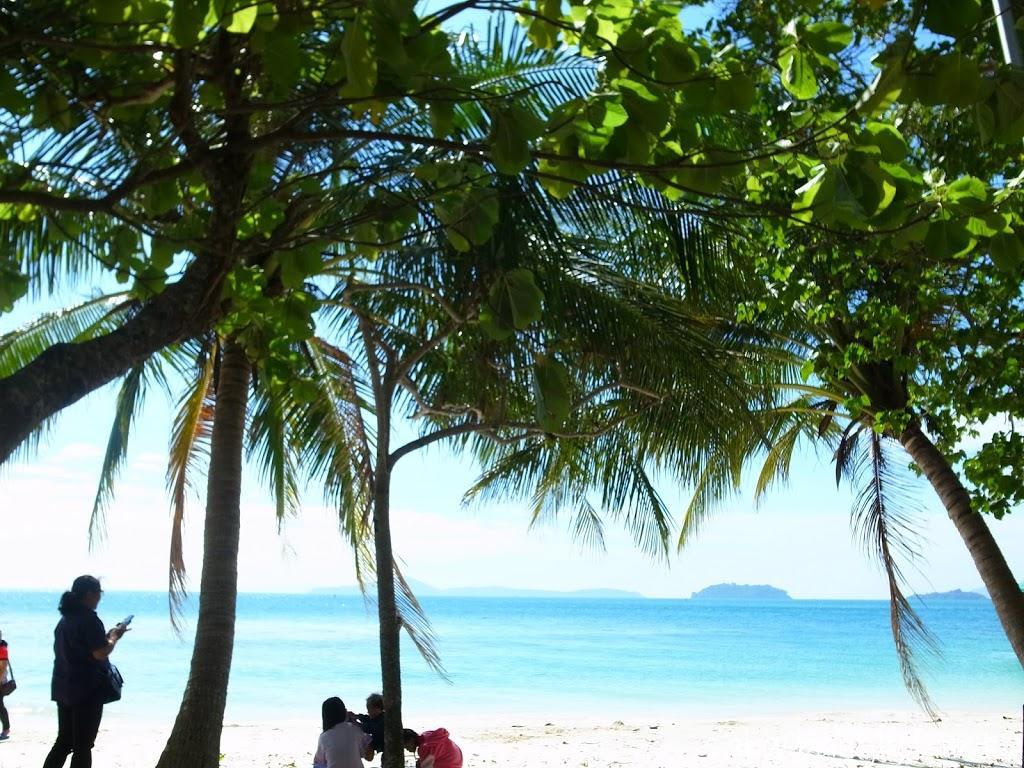 チャーン島東側ルート散策!静かで文句なしに美しいロングビーチへ