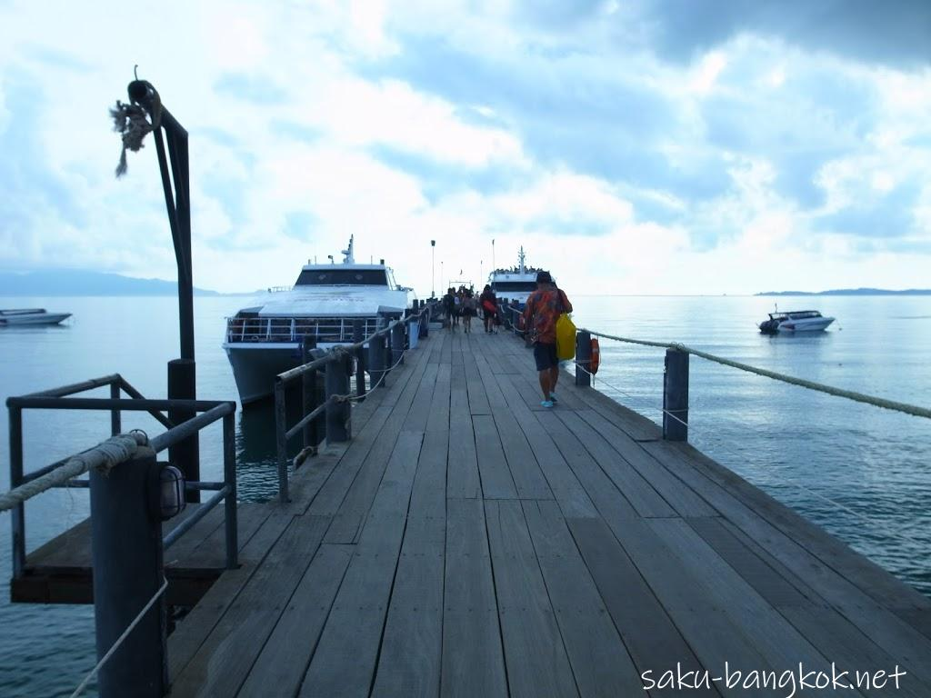 タイ・サムイ島発のフェリーでナンユアン島の絶景を見に行こう
