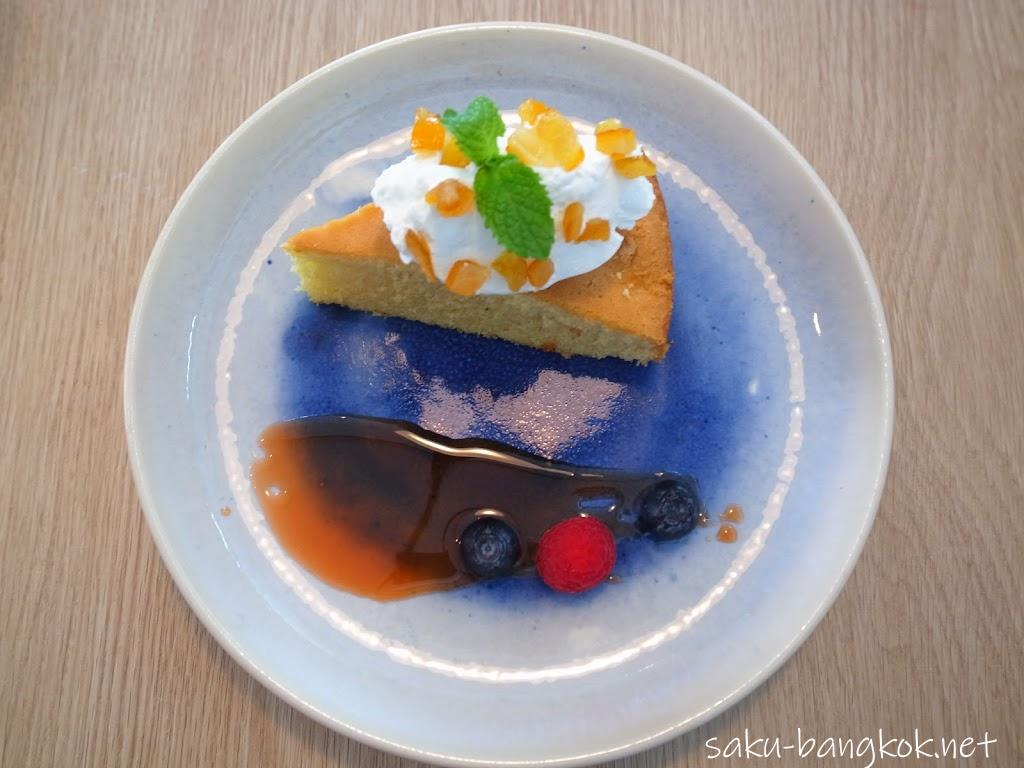 【ラ ドッタ (LA DOTTA)】ブルーが印象的な生パスタ専門店@トンロー