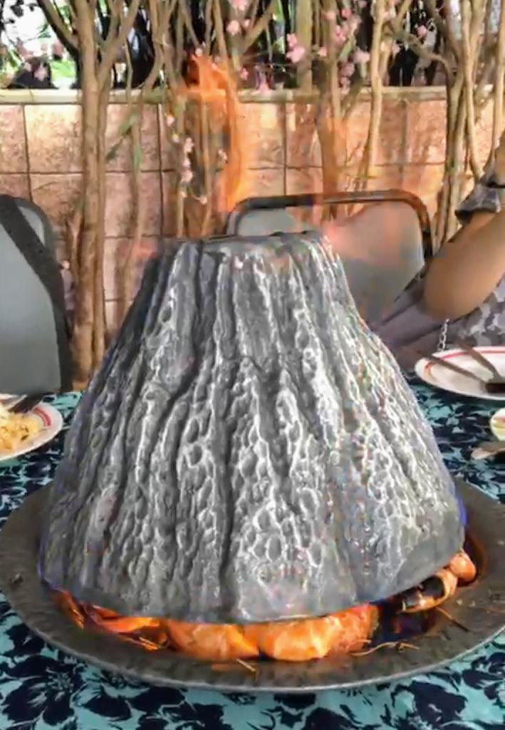 タイ国鉄で行く!ナコンパトムの絶品海老の火山蒸し焼き