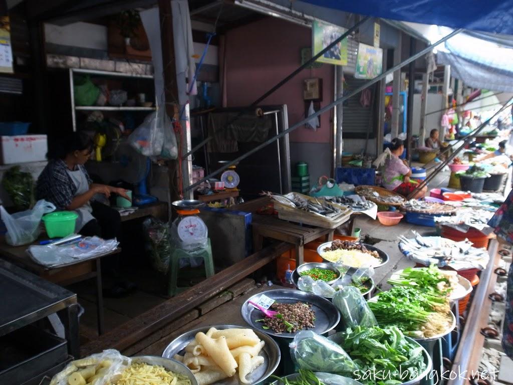 メークロン市場(パタパタ市場)&アンパワー水上マーケットでホタル観賞
