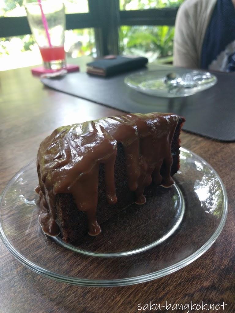 タリンプリンのチョコレートケーキ