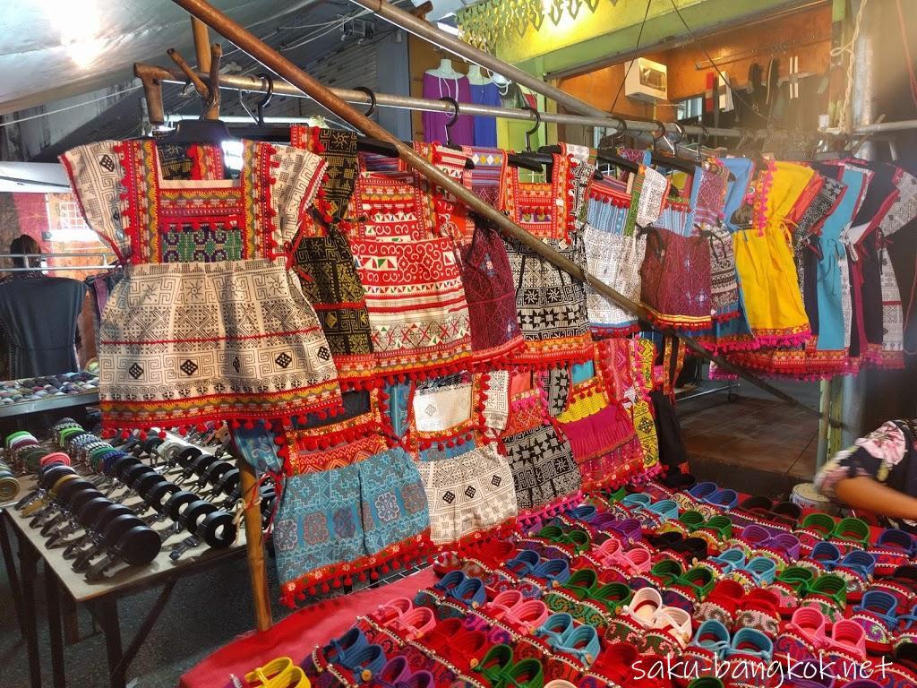 チェンライのナイトバザールとサタデーナイトマーケットでかわいい少数民族雑貨をお買い物