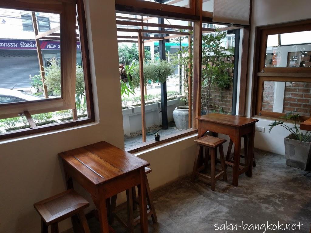 チェンライのゲストハウスBaan Norn Plearn(バーン ノーン パーム)はカフェ併設で居心地の良し!