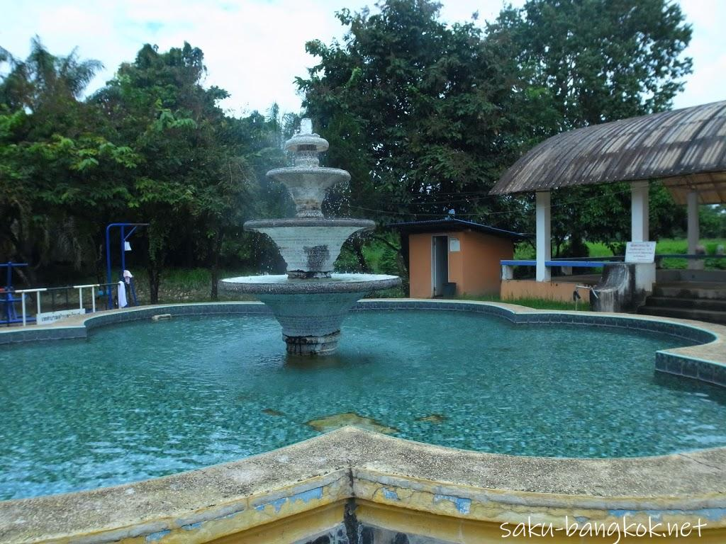 日本の公衆浴場のような貸し切り温泉Pong Phra Bat Hot spring