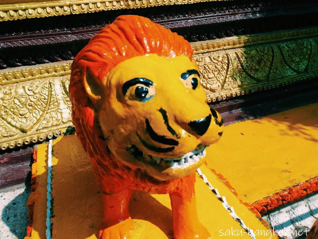 ビエンチャンの寺ワット・シームアンのライオン