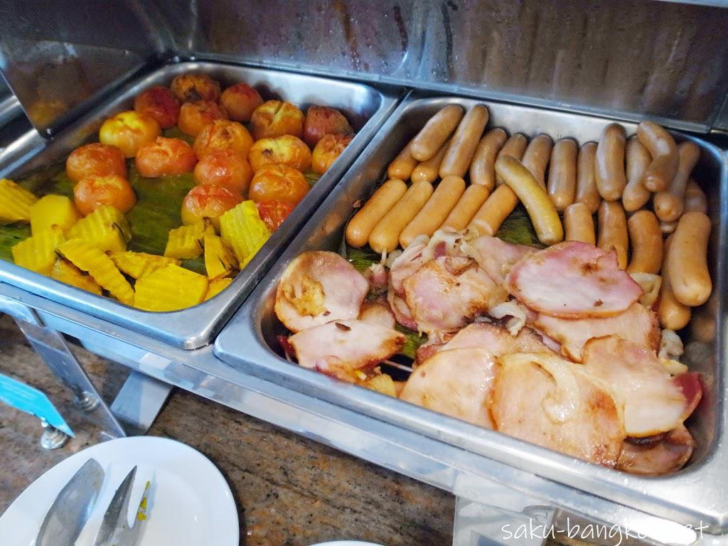 パタヤのアレカ・ロッジ(Areca Lodge)の朝食ブッフェ