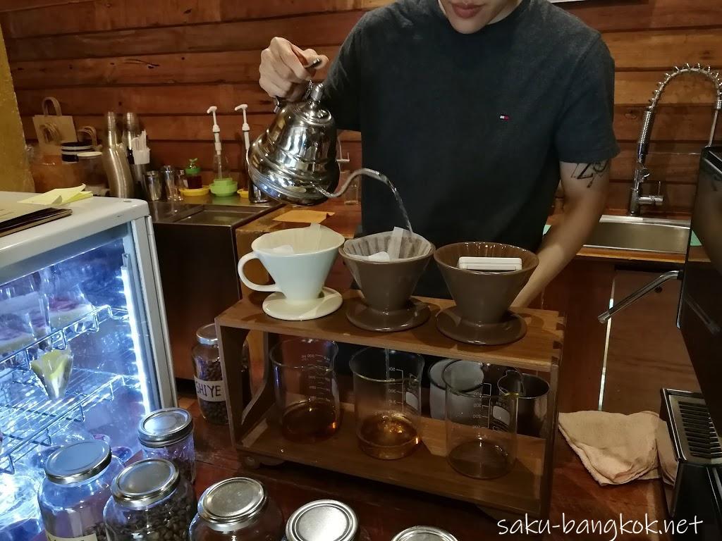 チェンマイのアカアマコーヒー(Akha Ama Coffee)でタイ産コーヒーを堪能【チェンマイ旅行記2017