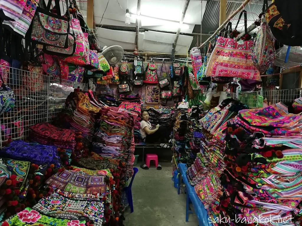 チェンライでモン族市場に行く