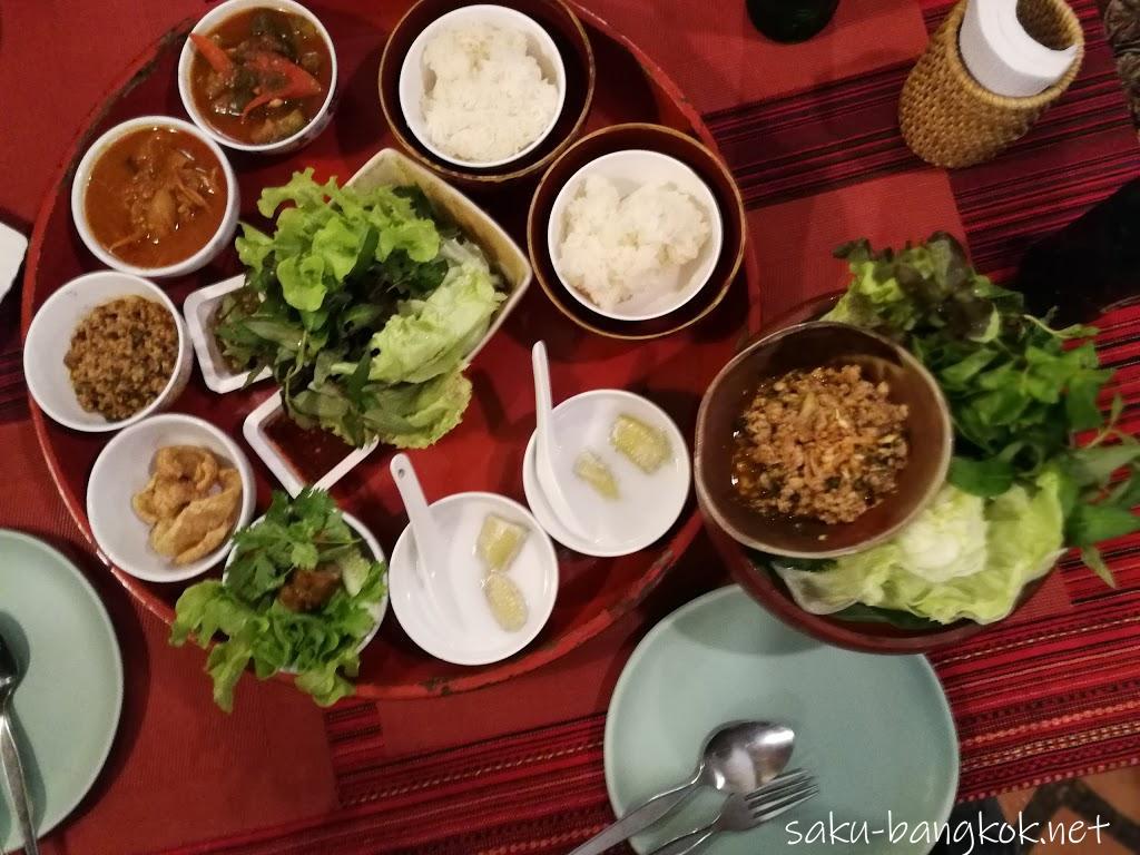 チェンライで>美味しいタイ北部料理を食べる