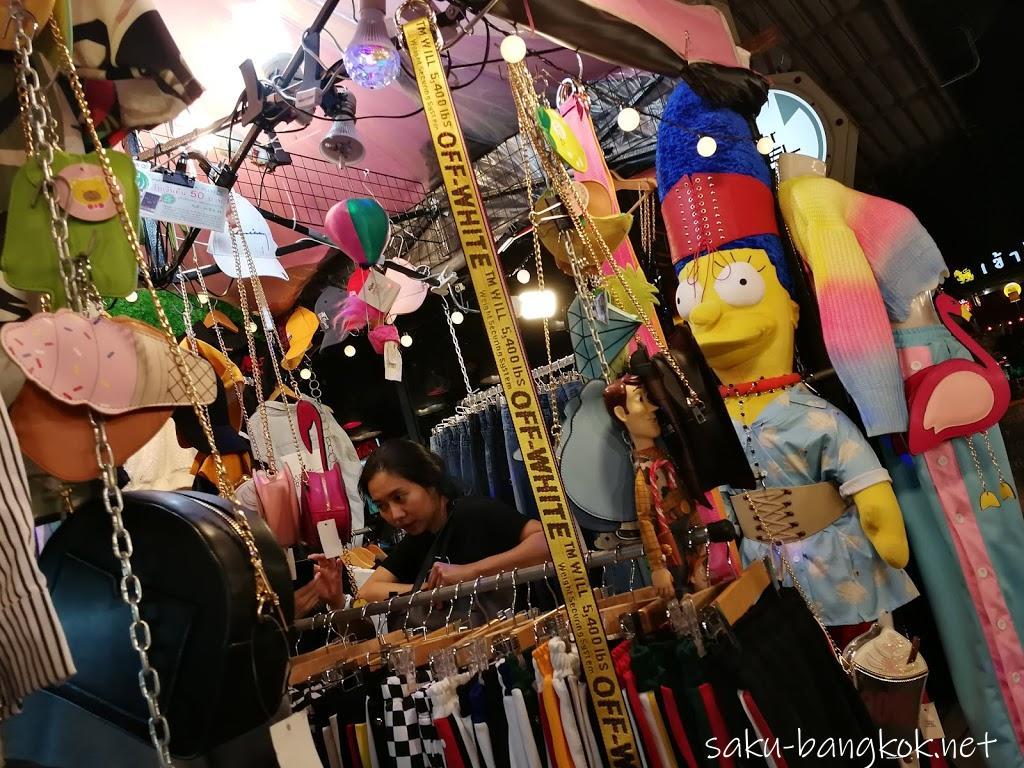 【タラートロットファイラチャダー】はインスタ映えスポットで有名なナイトマーケット