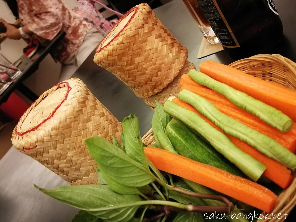 【ソムタムダー(SOMTUM DER)】はおしゃれで美味しいイサーン料理店@ BTSサラデーン駅近く