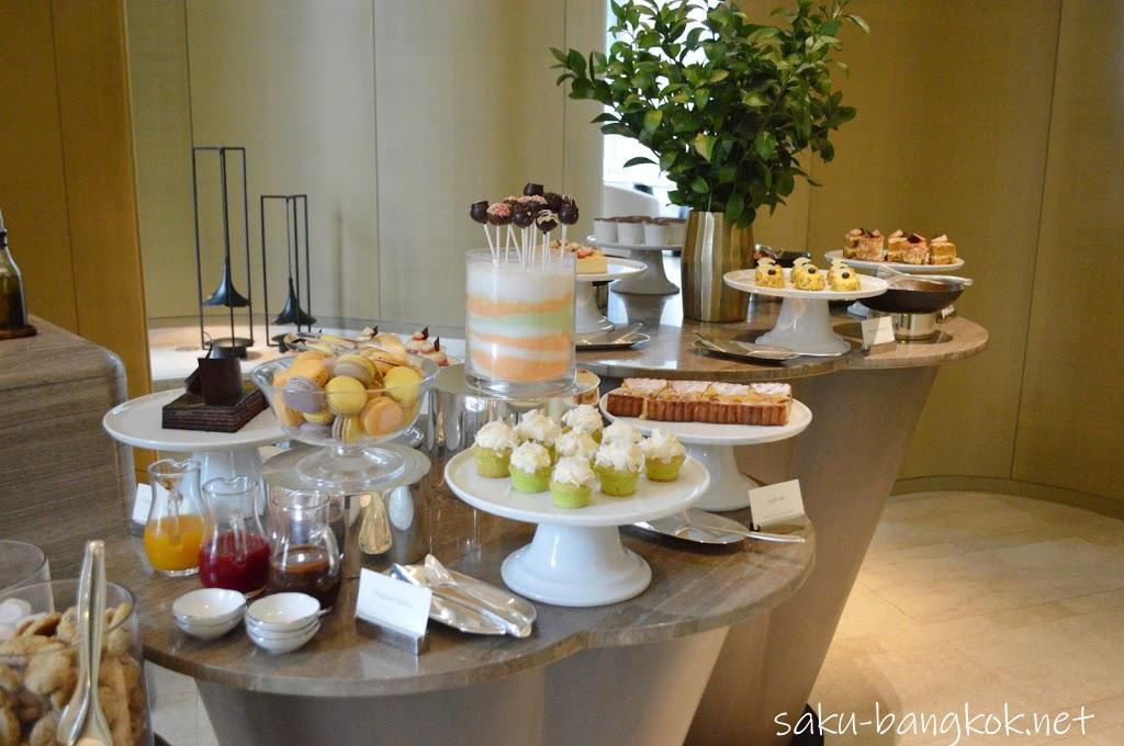 パークハイアットバンコク Embassy Roomのランチ デザートブッフェ