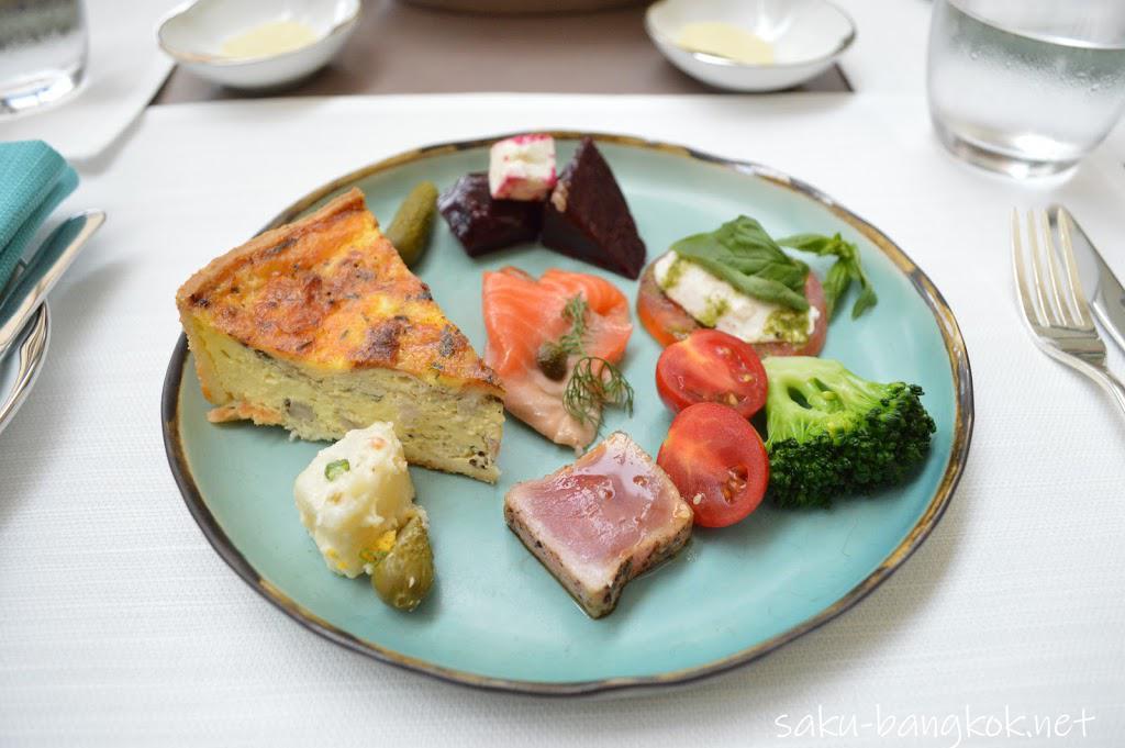 パークハイアットバンコク Embassy Roomのランチ 前菜&デザートブッフェ