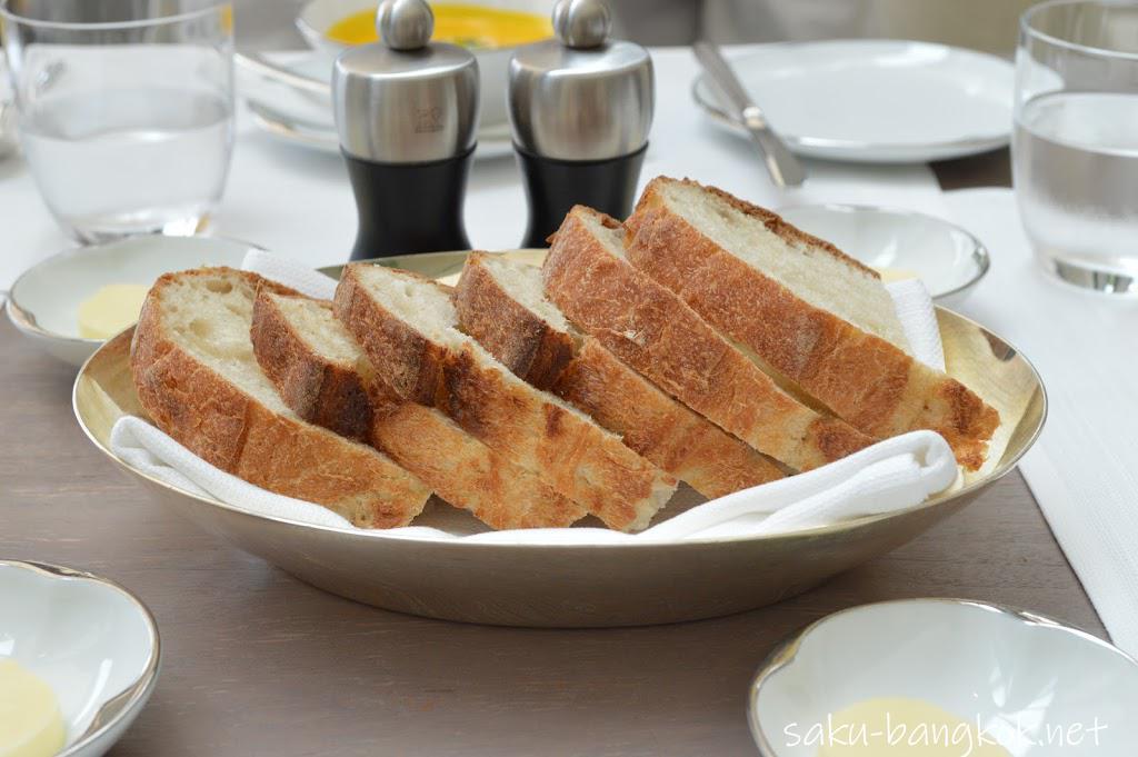 パークハイアットバンコク Embassy Roomのランチ パン