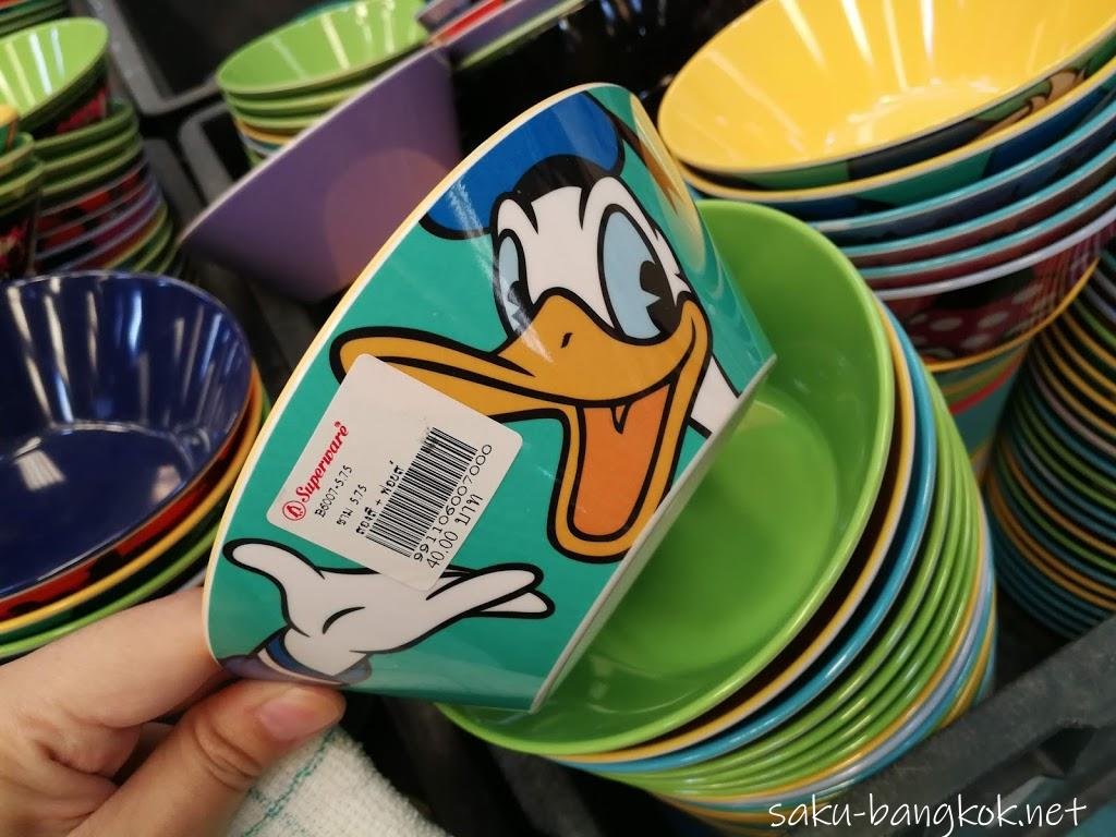 スーパーウェアセールで販売されているディズニーの食器