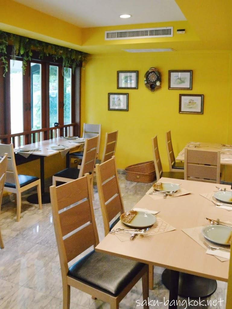 May's Garden House Restaurant(メイのレストラン)の内装2