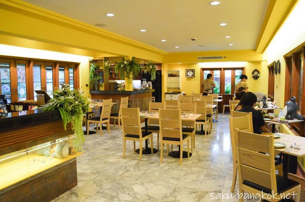 May's Garden House Restaurant(メイのレストラン)の内装1