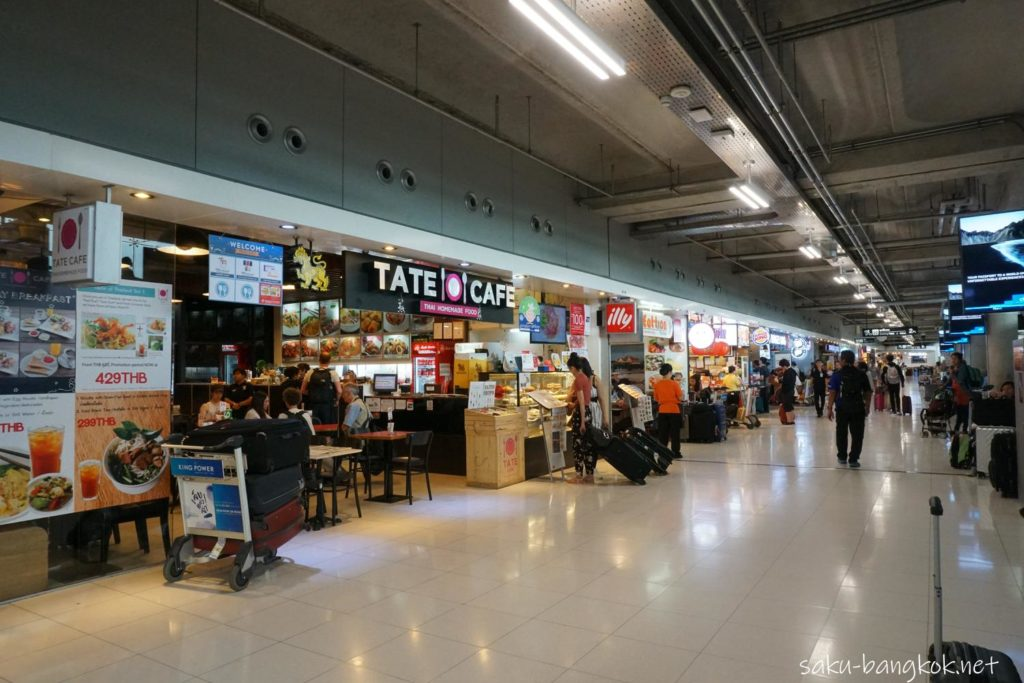 スワンナプーム国際空港3階 レストランとお土産品フロア