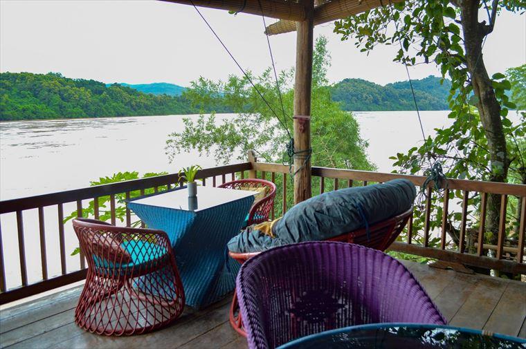 ルアンパバーンのメコン川沿いにあるSilk Road Cafe