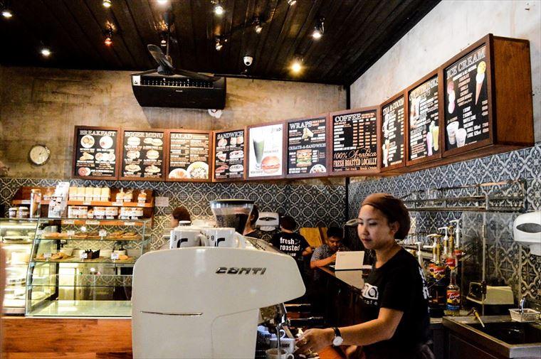 ルアンパバーンのJoma Bakery Cafeの注文カウンター