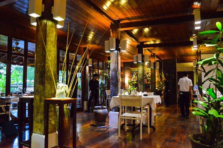 ルアンパバーンのブルーラグーンレストラン タイトル画像