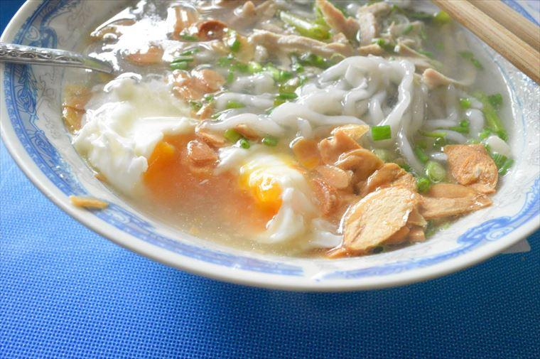 シェントーンヌードルのカオピヤックセンに入っている卵
