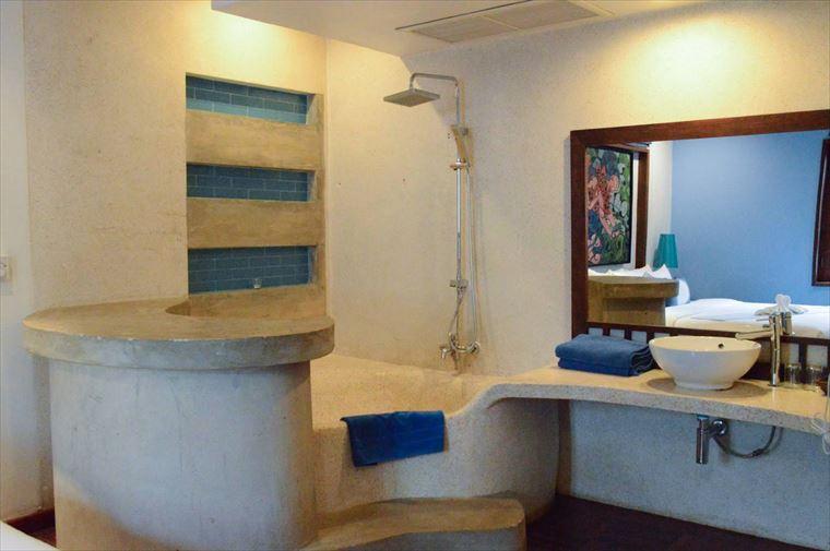 ルアンパバーンの【Indigo House Hotel】のお風呂