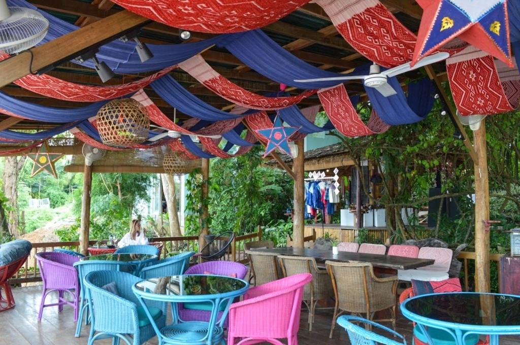 ルアンパバーンのOck Pop Tok Silk Road Caféの雰囲気