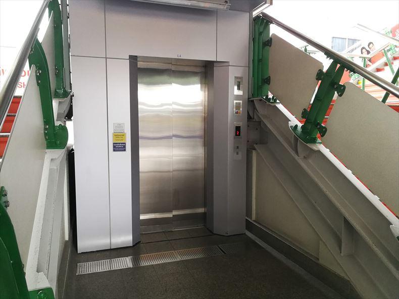 BTSのエレベーター