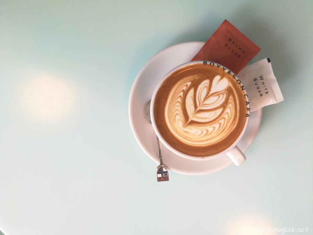 【BOYY & Son Café】のフラットホワイト