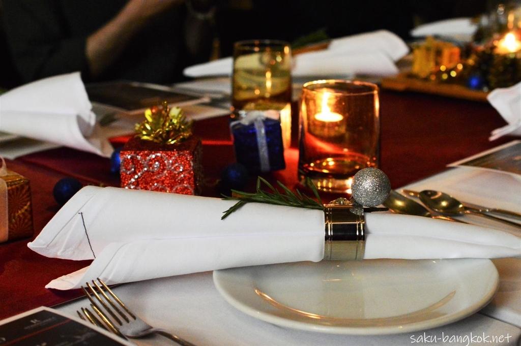 ルネッサンスバンコク La Tavola テーブルセッティング
