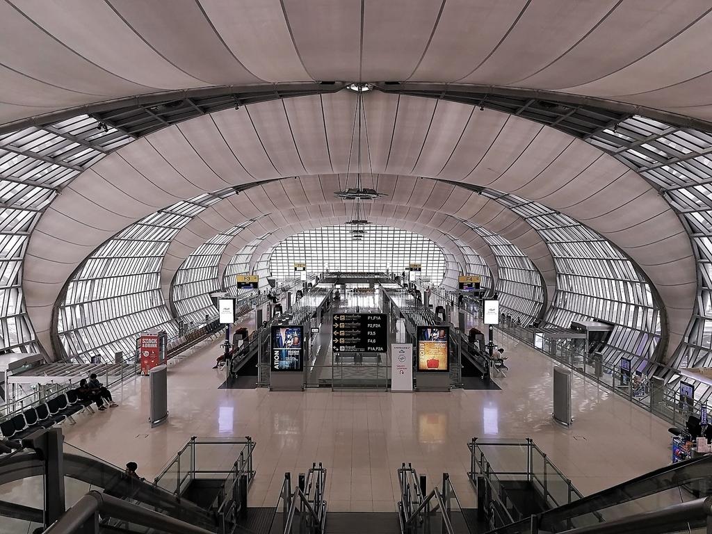 深夜のバンコク・スワンナプーム空港