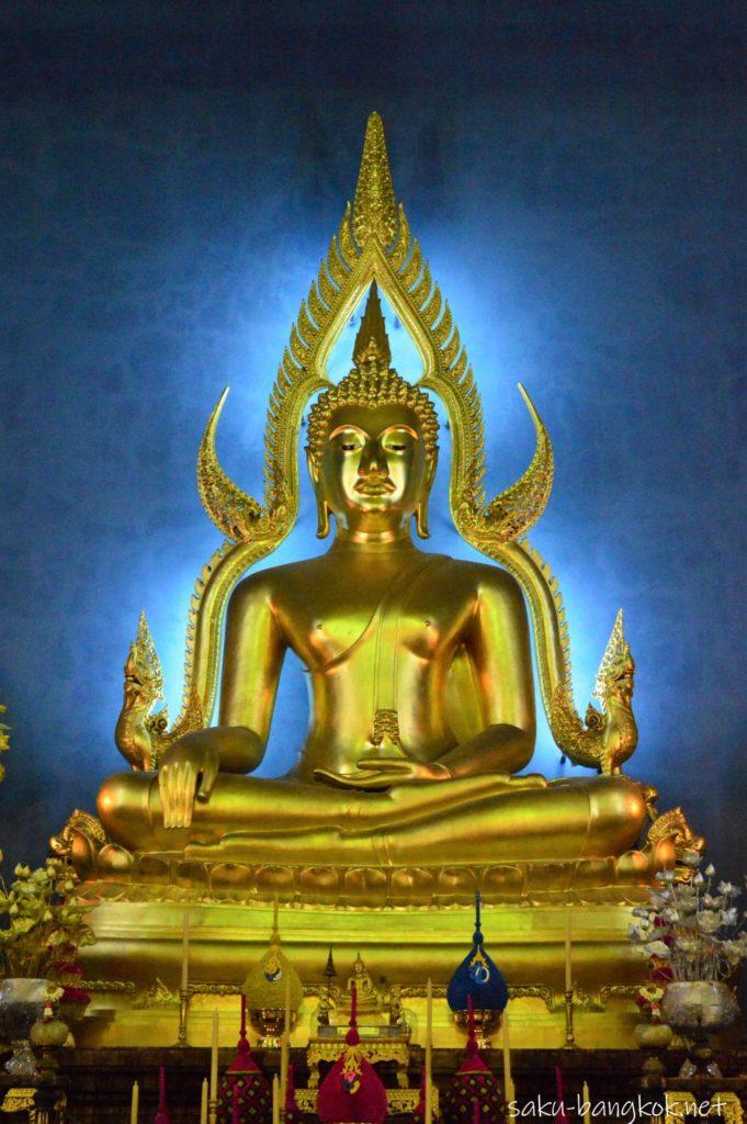 ワット・ベンチャマボピット(大理石寺院)の仏像