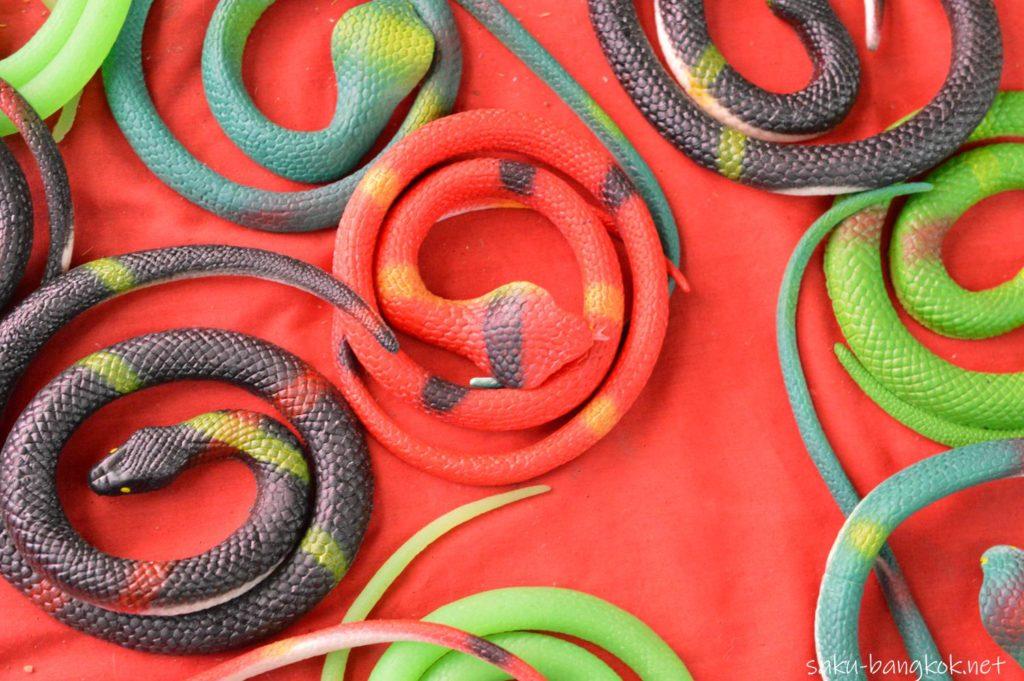 クレット島の蛇のおもちゃ