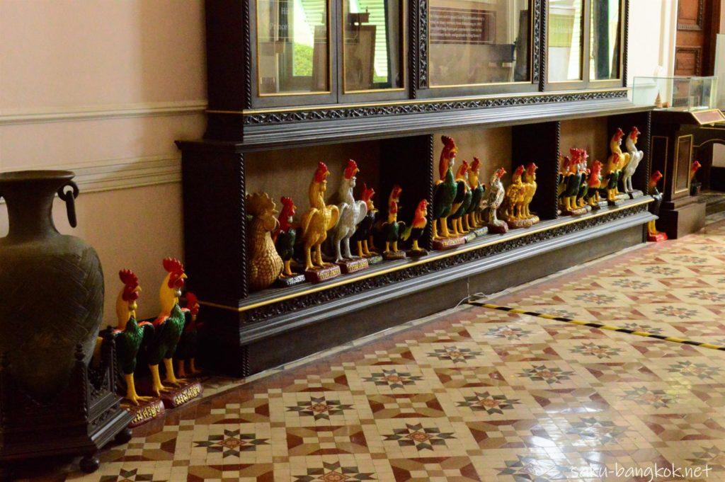 アバイブーベ博物館の鶏の置物