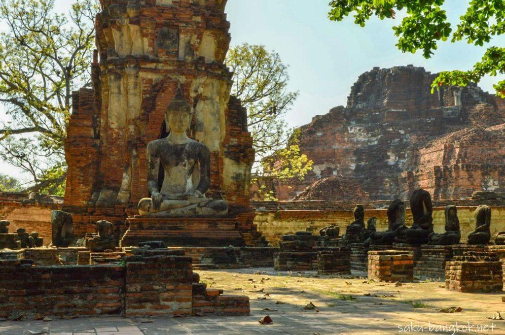 ビルマ軍による破壊の後が残るワット・マハタート