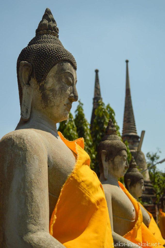 ワット・ヤイ・チャイ・モンコンの仏像
