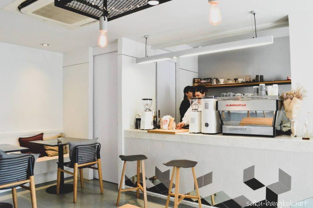インビジブル Invisible Coffee Roomのカウンター