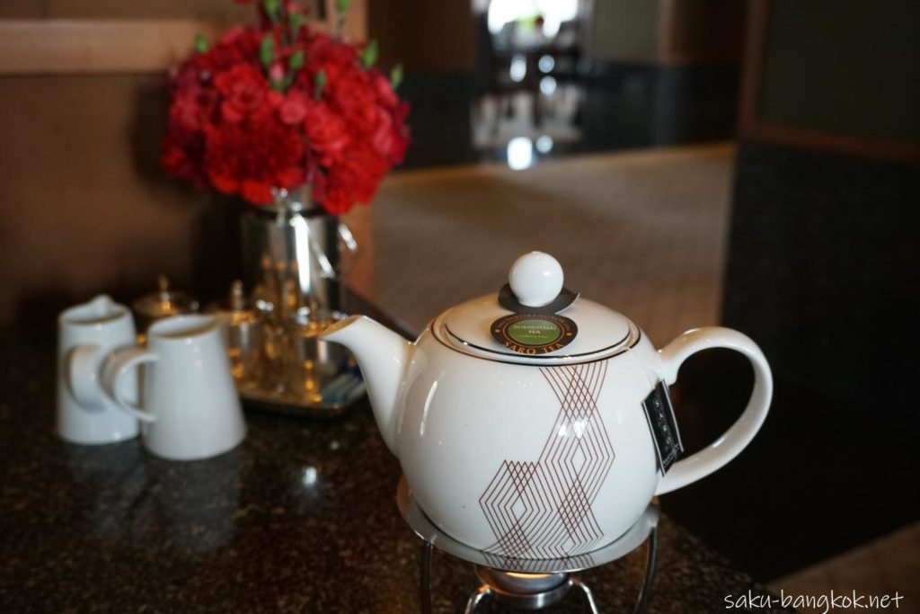 スコータイホテルのチョコレートブッフェのお茶