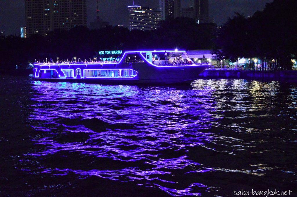 スパンニガークルーズ船から見るほかのクルーズ船