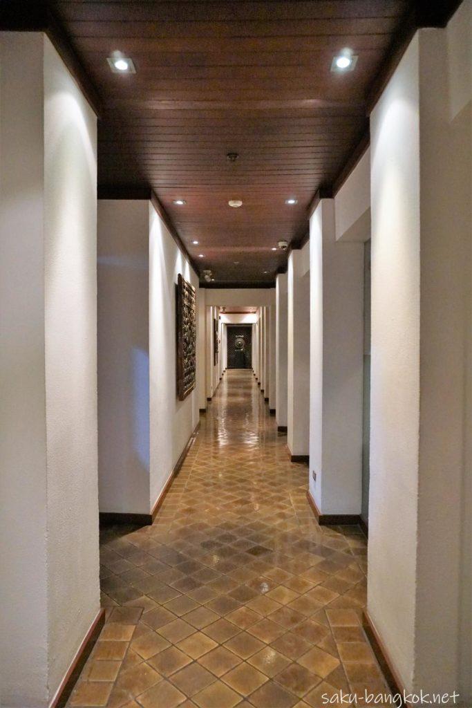 Celadon の廊下