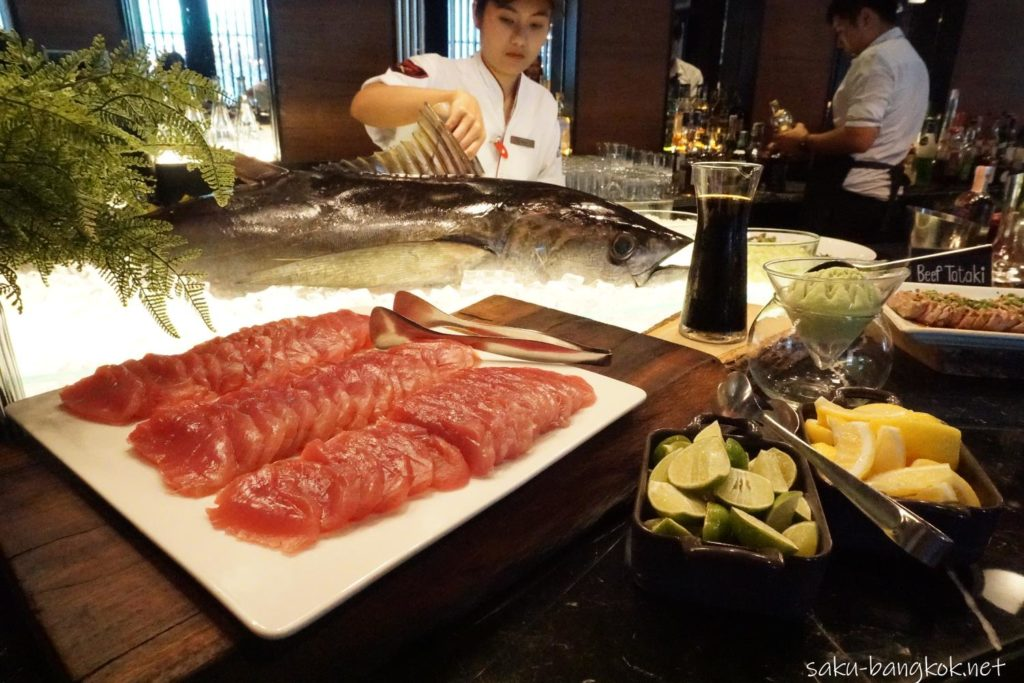 The District SUNDAY BRUNCHのマグロの刺身