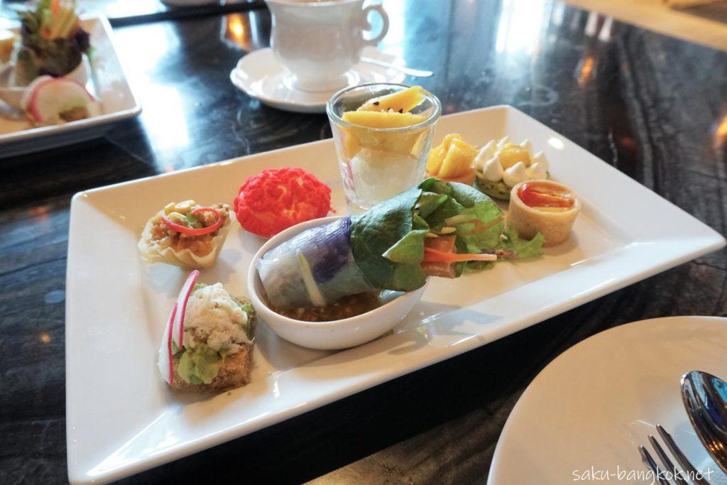 Hyatt Regency Bangkok Sukhumvit 内 Sukhumvit Gallery のAfternoon tea メニュー