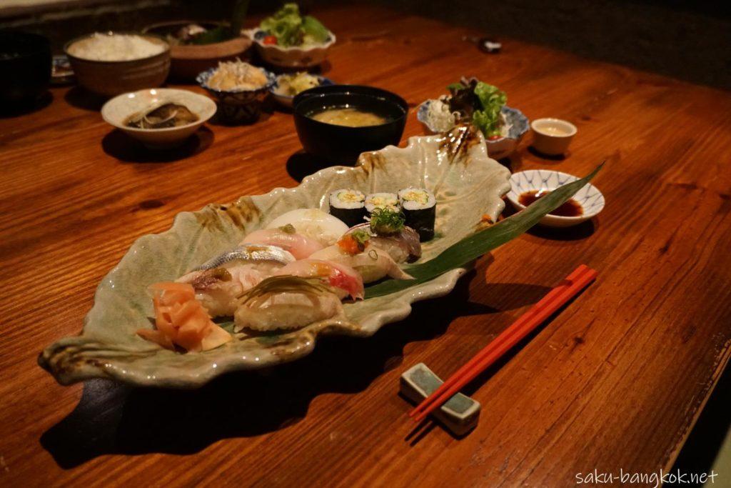 SASAYA シーロム店の握り寿司御膳