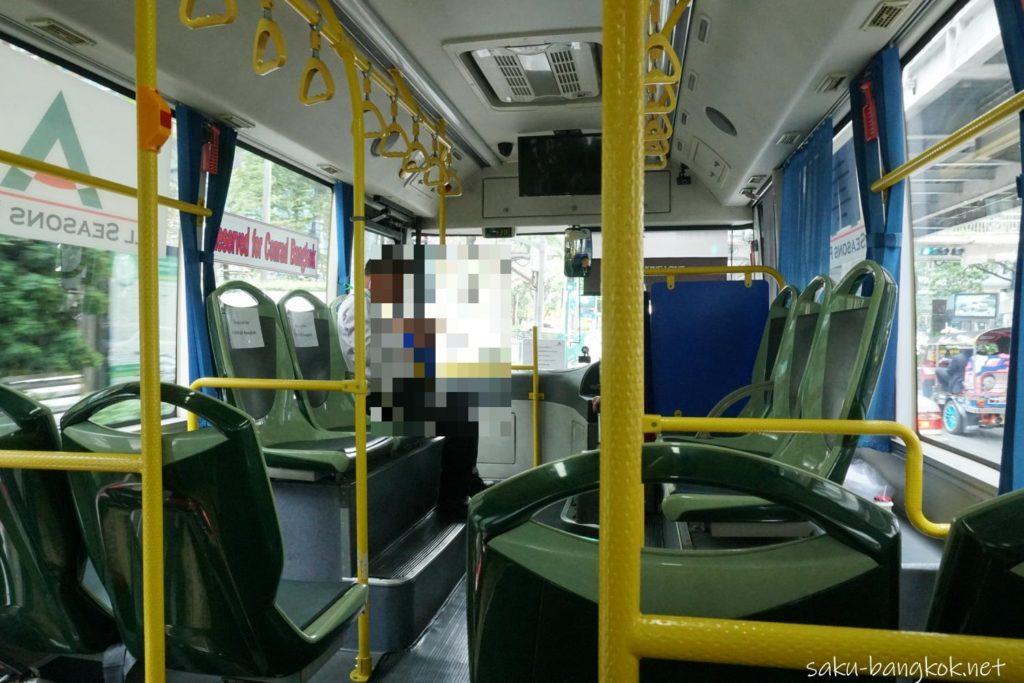 コンラッド・バンコク行きの無料シャトルバスの車内