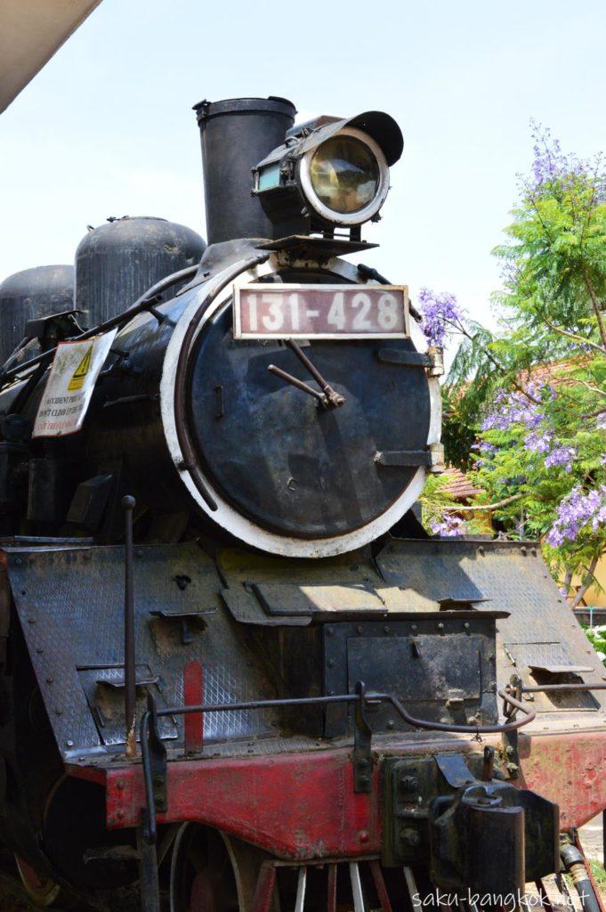 ダラット駅にある蒸気機関車